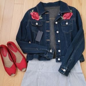 Old Navy Dark Wash Denim Jacket with Roses Size XS